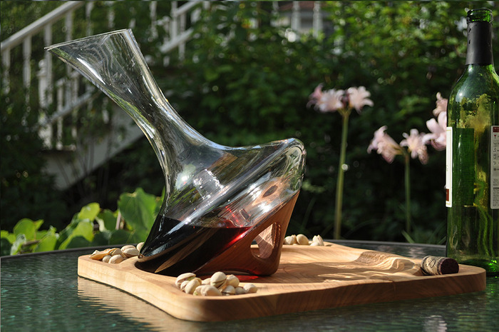 Revolutionary Decanter with Cherry Foot