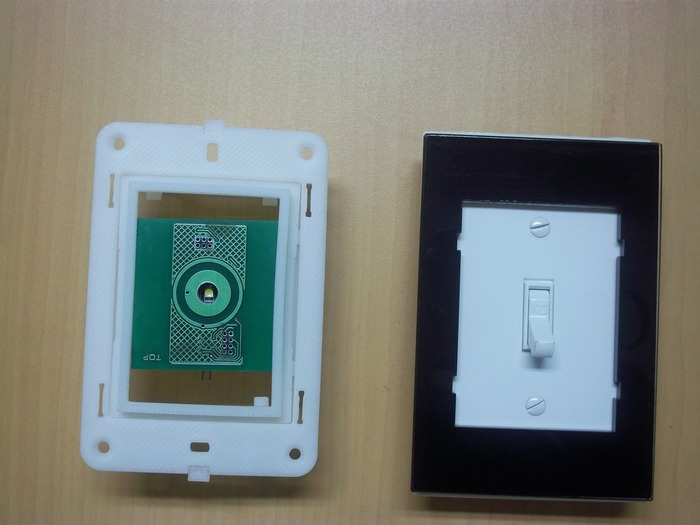 Adoratouch Mounting frame compared with a Decora Wall plate