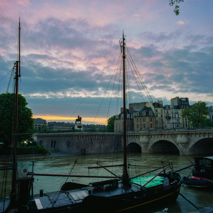 Sunrise over the Seine, Paris
