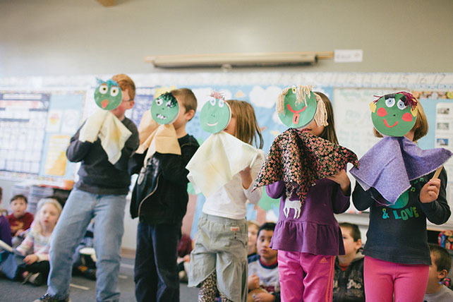 Right Brain kids at Hayhurst in Southwest Portland immersed in the art of puppetry. Photo by Leah Verwey.