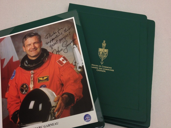 Marc Garneau donated 5 autographed pictures to Space Concordia for our fundraising campaign.