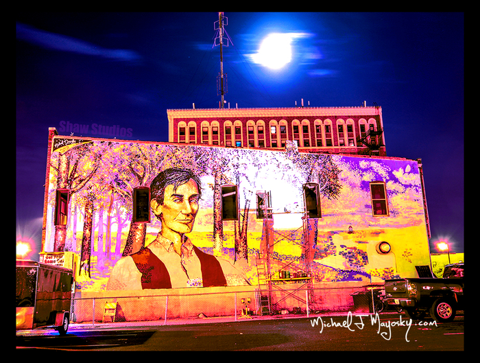 Abraham Lincoln Mural at night