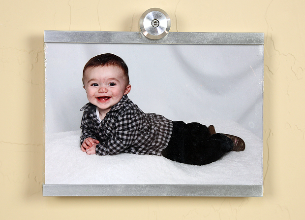 "Closeup of Horizontal 5""x7"" Wall Mounted Photo Frame"