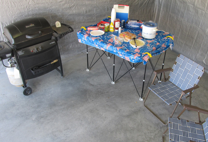 Room for fixins at your next tailgate party