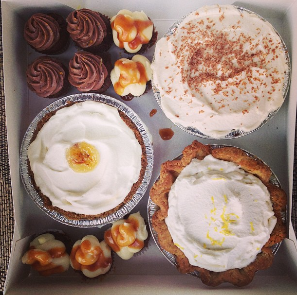 Pies & Cupcakes: Together At Last!