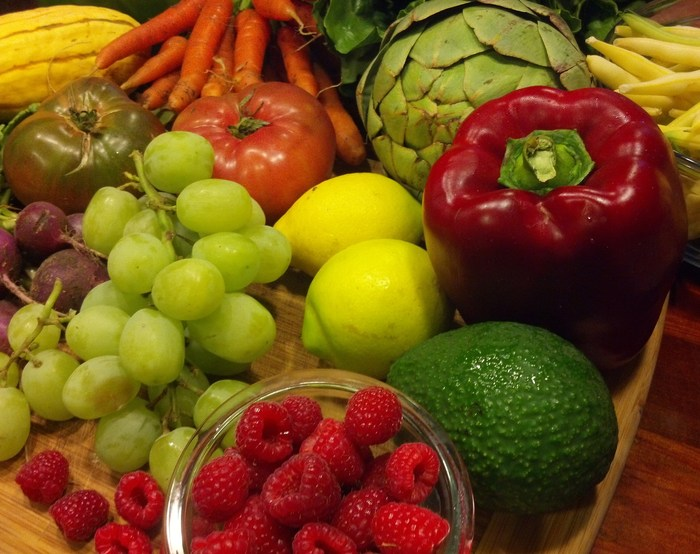 Fresh Fruits and Vegetables Should be on All Tables