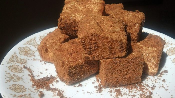 Homemade gingersnap marshmallows
