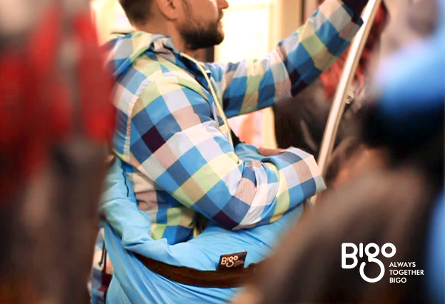 Turn the bag to the front to keep your valuables safe when taking public transportation.