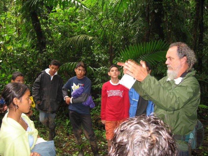 Sharing knowledge about cloud forest conservation with the next generation