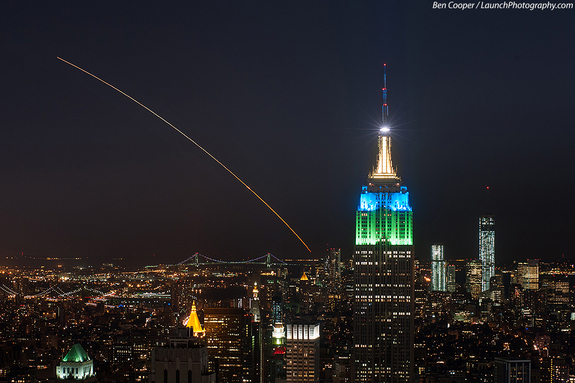 [LADEE launch from Wallops Is., VA, 6 Sept 2013, seen from New York City]