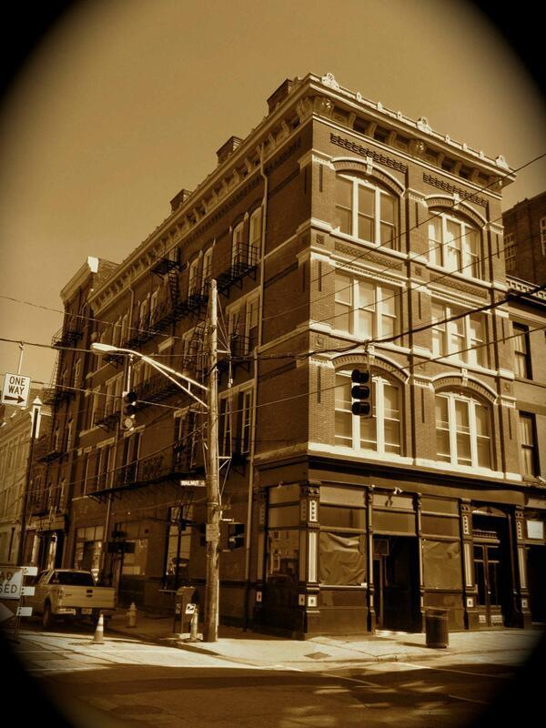 (click image for some history on the Gobrecht Building)
