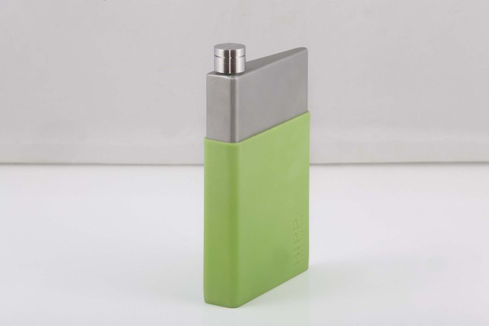 The large 6oz size with the green coloured silicone sleeve