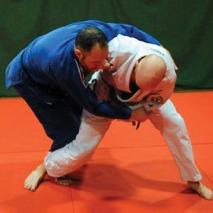 Paul Judo-ing