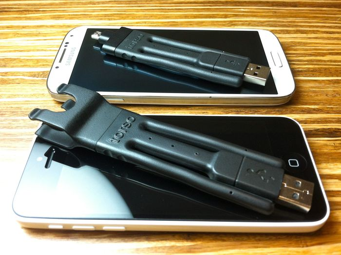 Ultra-portable mode: with the iPhone 5C and Galaxy S4