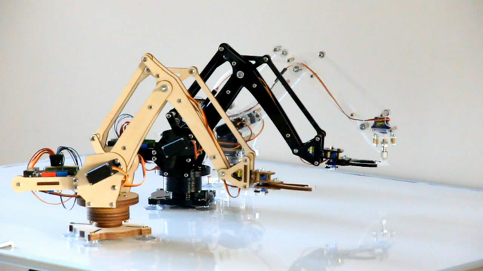 Uarm put a miniature industrial robot arm on your desk by