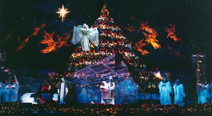 "Gene Dent's ""Singing Christmas Tree"" design"