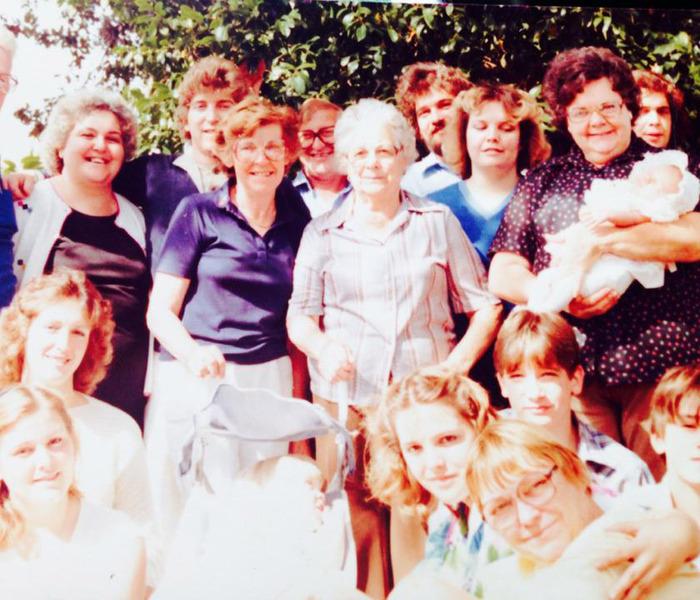 Gloria, Louisa, Lena, Anna Colleoni & family