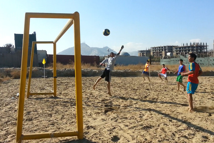 Mosadeq trying out for the national beach soccer team