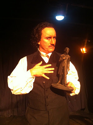 Jeffrey Combs as Poe with Poe statuette!
