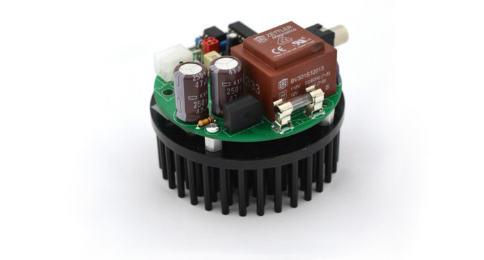 A close-up of tinyTesla's control board and its hedgehog heat sink.