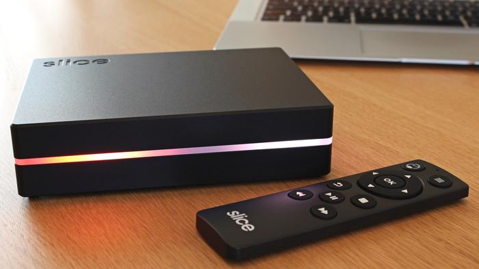 FiveNinjas Slice Media Player  - unit and remote