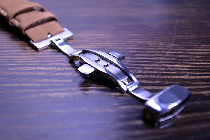 Butterfly Clasp always appears in luxury watch brand.