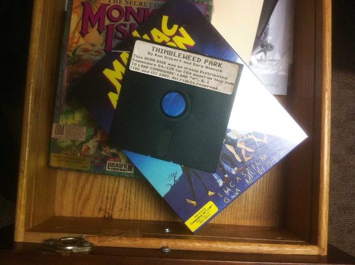 Monkey Island 11415ab46f657e7ab6561fa7a605e21f_large