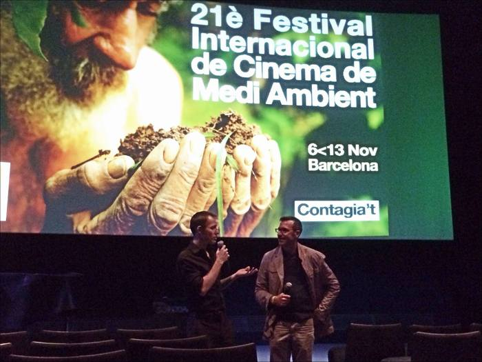 Director Zina Brown speaking to the audience about Dreams of the Last Butterflies after a great screening in Barcelona.