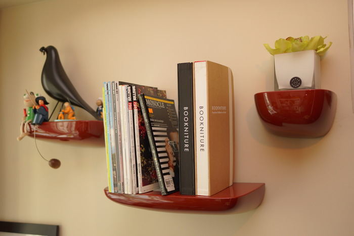 BOOKNITURE designed to fit most shelves