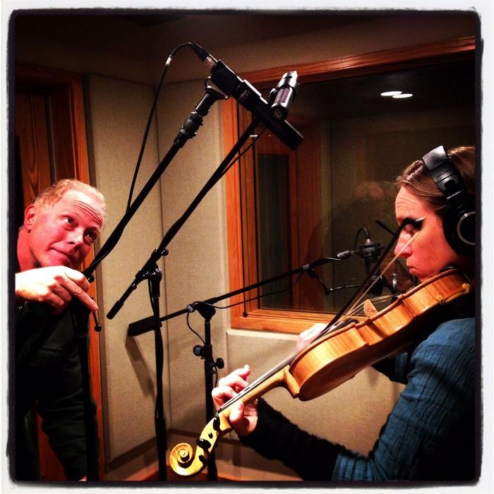 (Robert put three mics on the fiddle!)