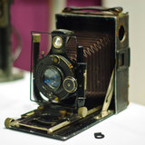 Old_camera_by_phuzznut.medium