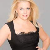 Melissa-joan-hart.medium