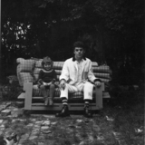 Ian_and_jemima__wingrave_garden__circa_1973.medium
