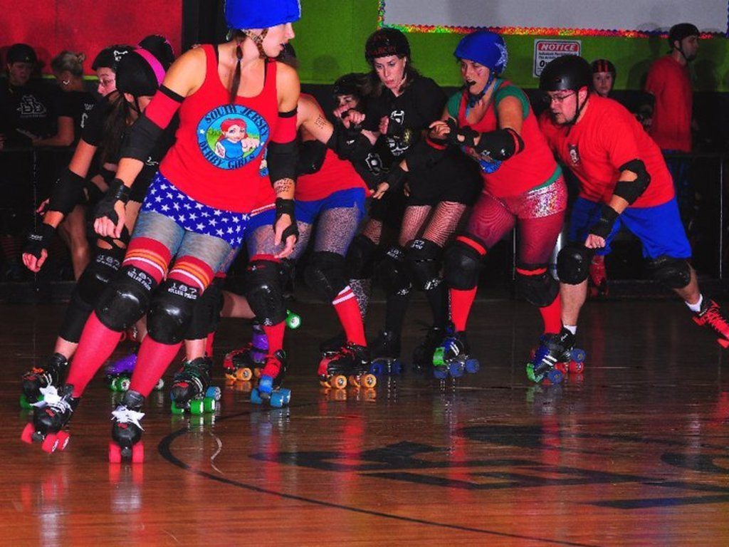 Build a Banked Roller Derby Track In New Jersey's video poster