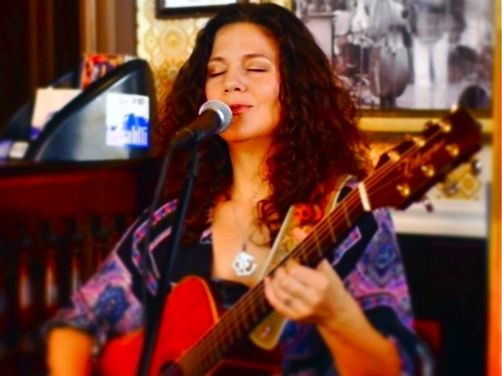 """Sahffi's Kickstarter campaign to complete her third album, """"Expectations""""'s video poster"""