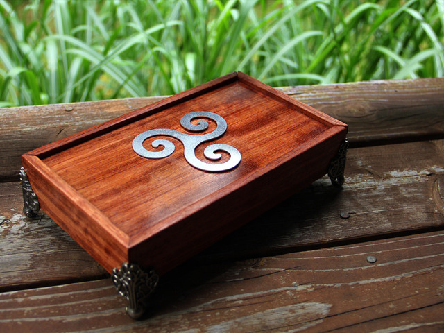 The Dice Chest A High Quality Dice Box And Rolling Tray