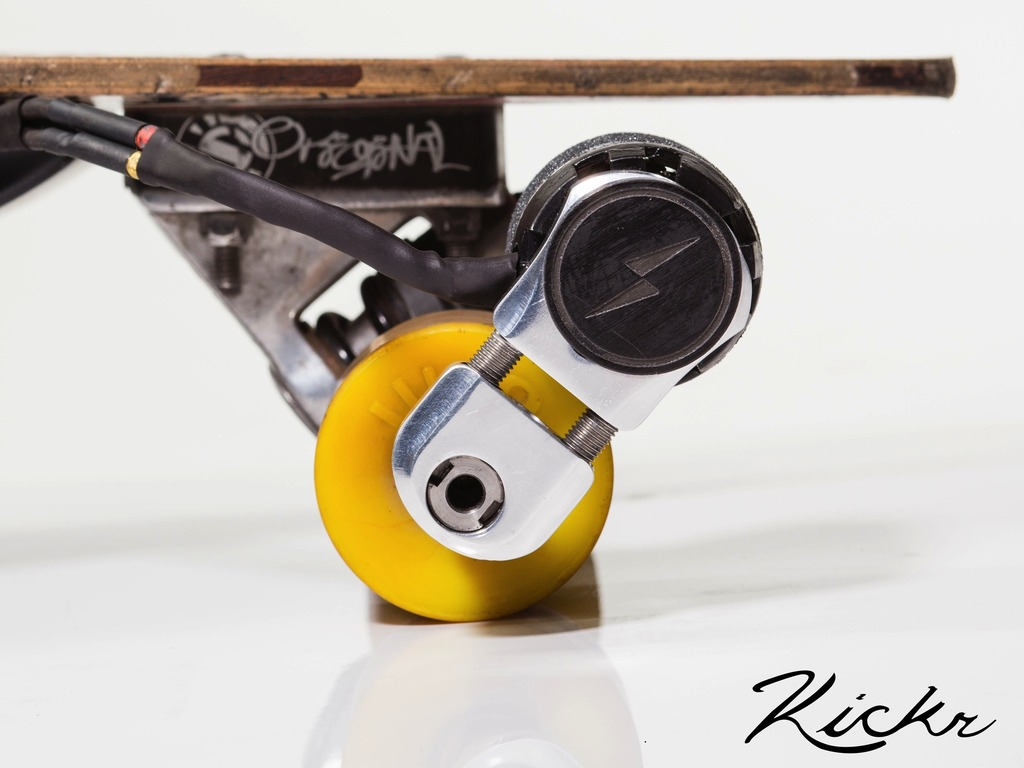 Kickr - Electrify Every Longboard!'s video poster