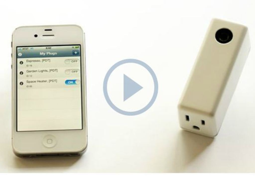 Elphi: The Smart Plug for iPhone and Android's video poster