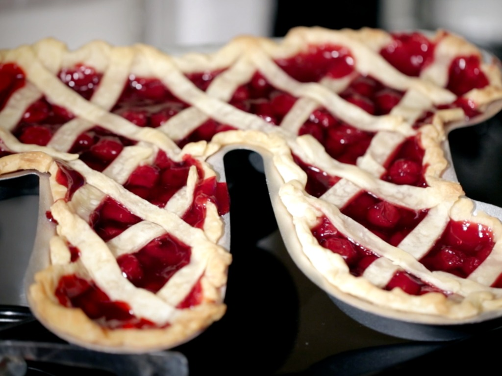 Pi Pie Pans: The Geekiest Way to Bake a Pie's video poster