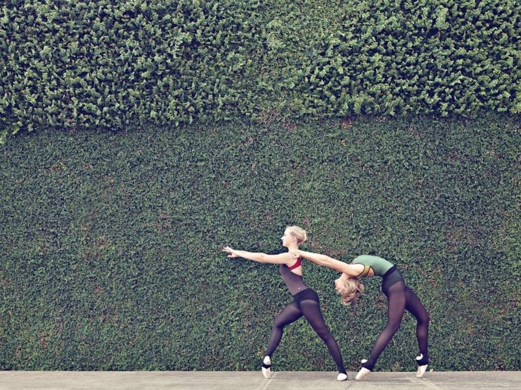 Avant Chamber Ballet - European Crossing's video poster