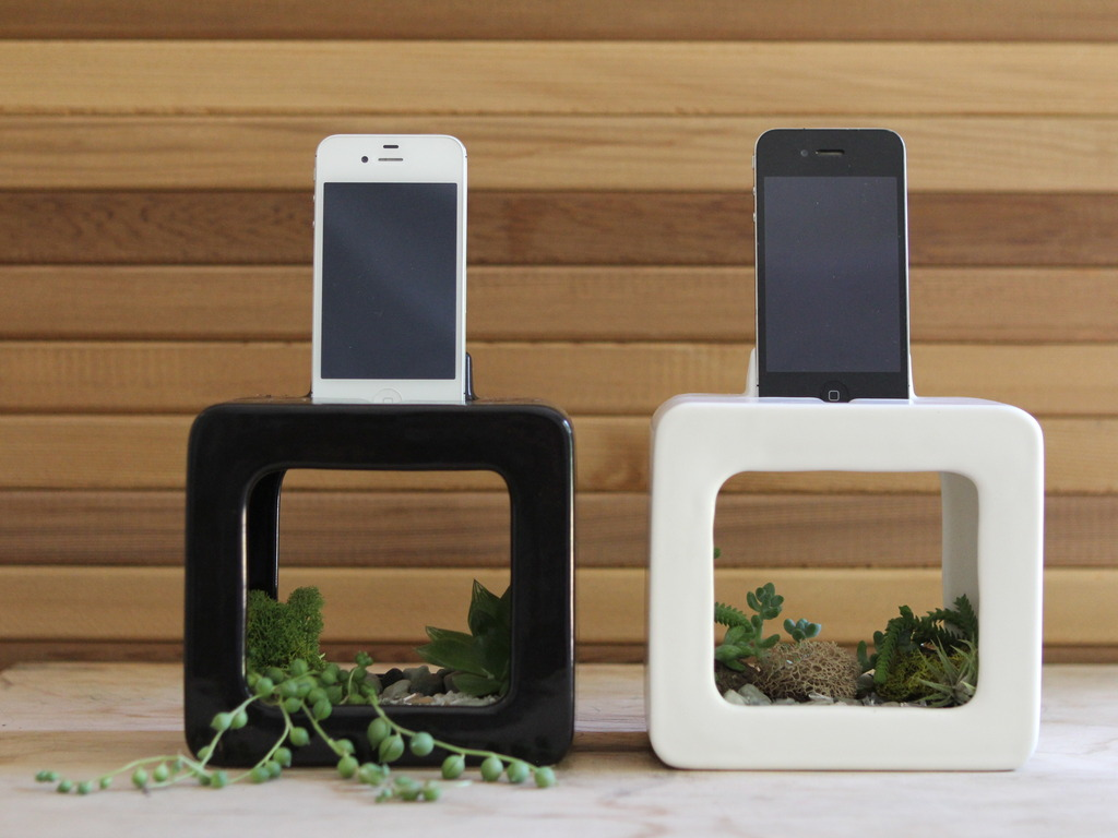 The Bloombox iPhone Dock, Planter, and Sound Amplifier's video poster