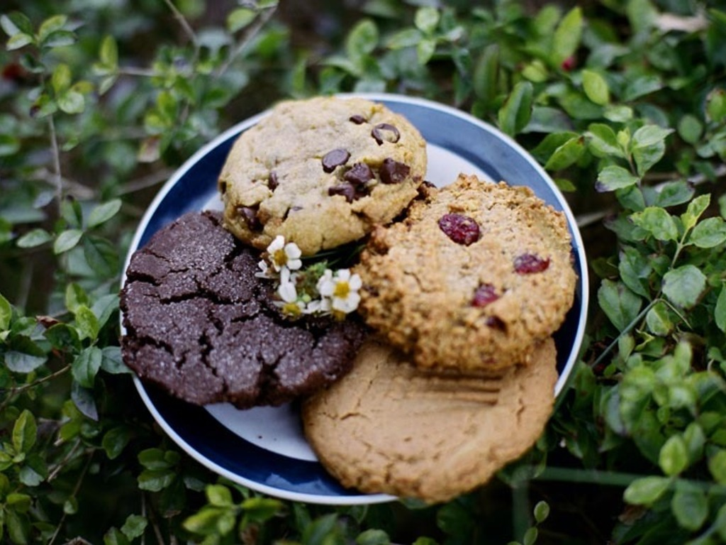 Om Nom Nom Cookies: Boutique Vegan Treats from Miami, FL's video poster