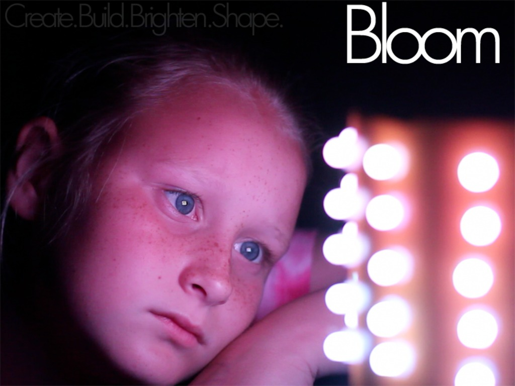 Bloom - The interactive Lamp's video poster