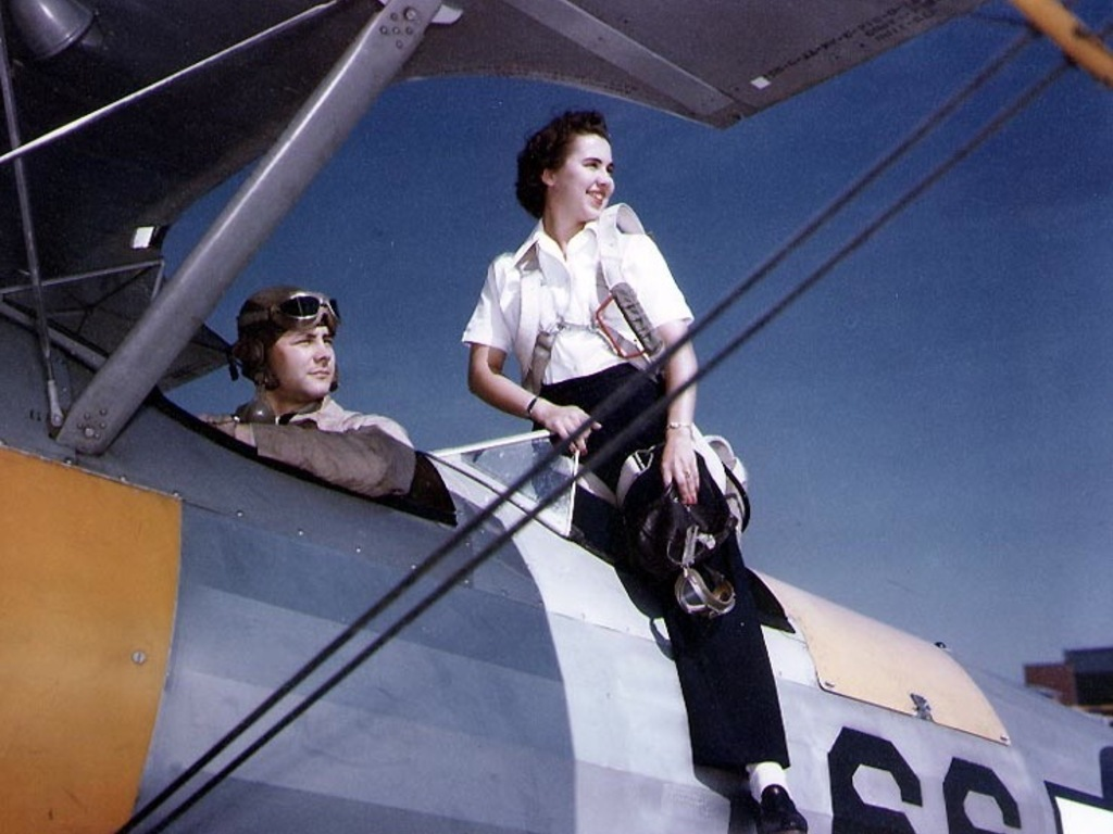 Homefront Heroines: The WAVES of World War II's video poster