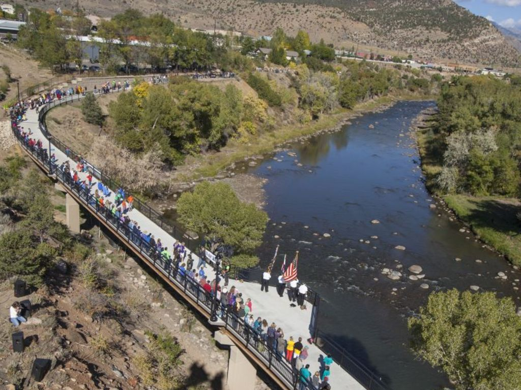 Durango Connect - The 7-mile Human Chain's video poster