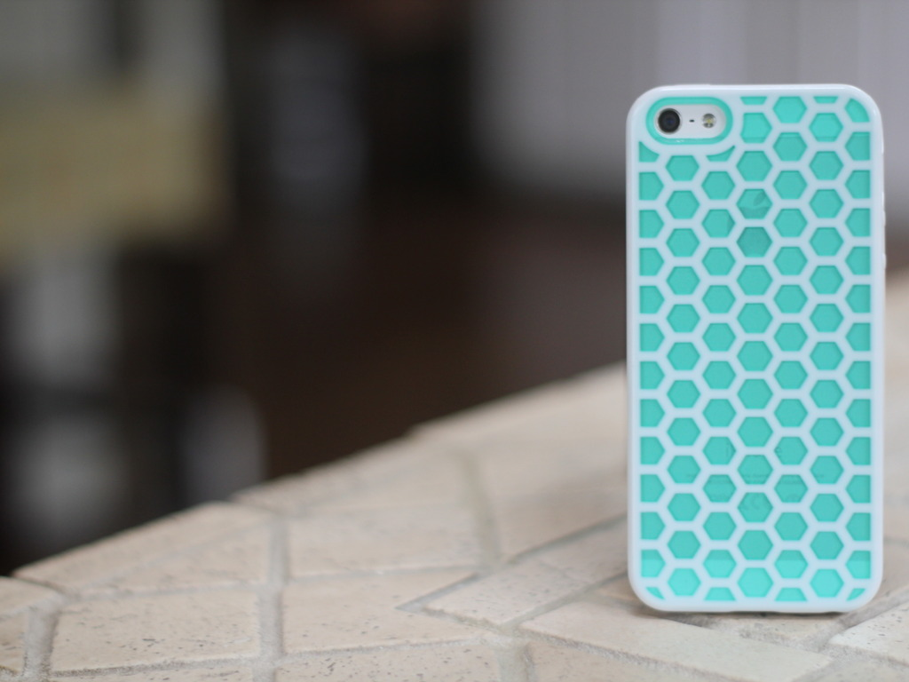 Beehive Case for iPhone 5's video poster