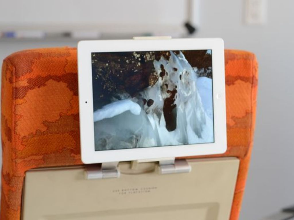 Arctic Flight -- Let your iPad fly!'s video poster