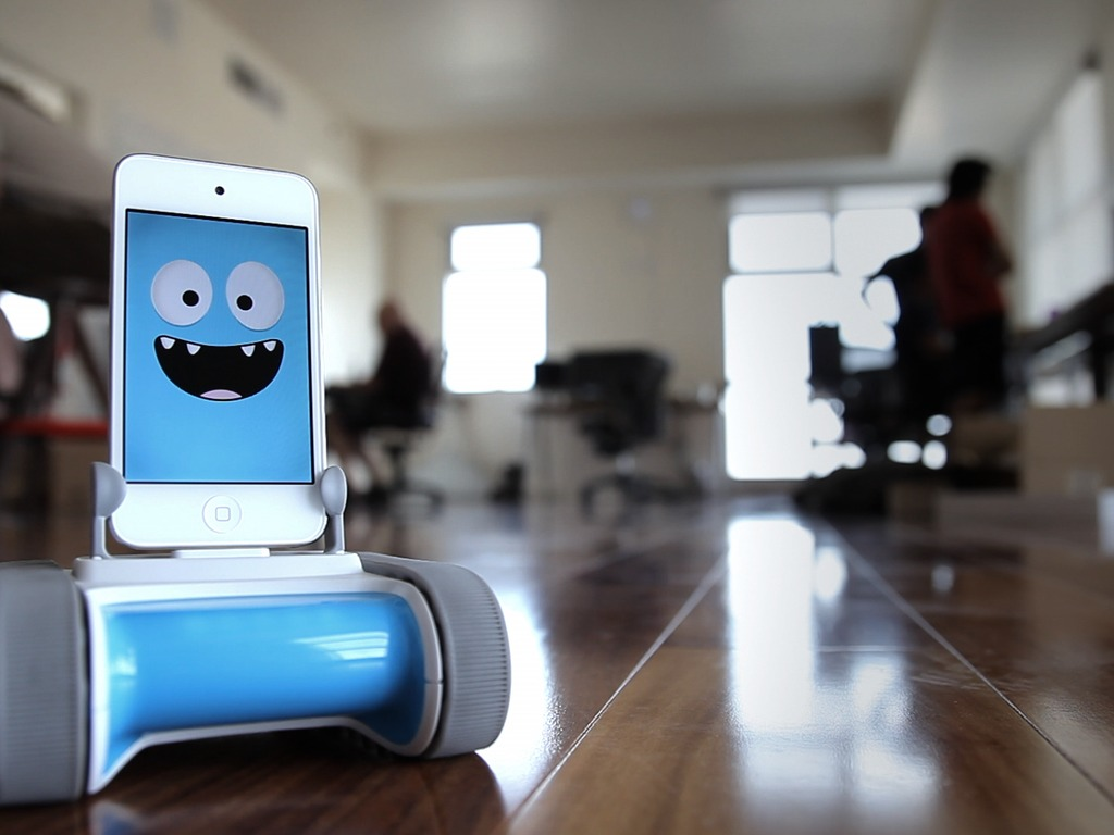 Romo - The Smartphone Robot for Everyone's video poster