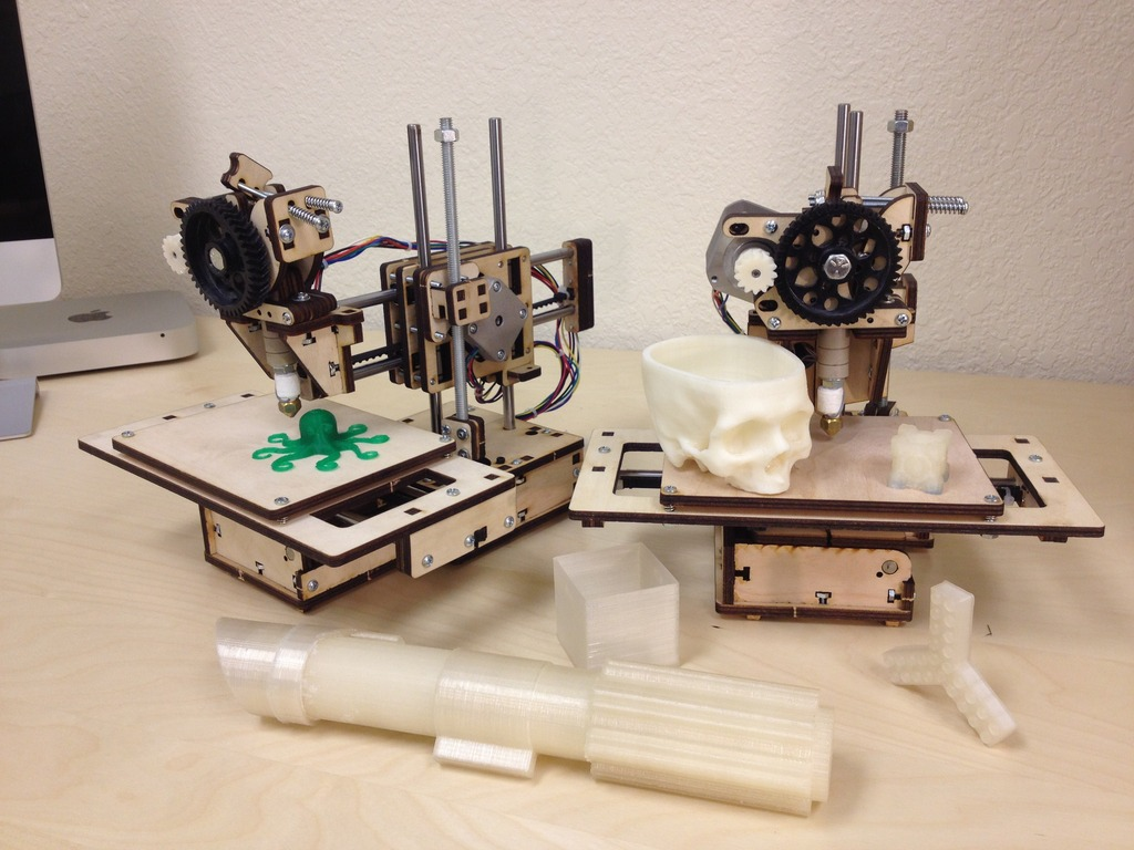 Printrbot jr. : Your kid's first 3D printer's video poster