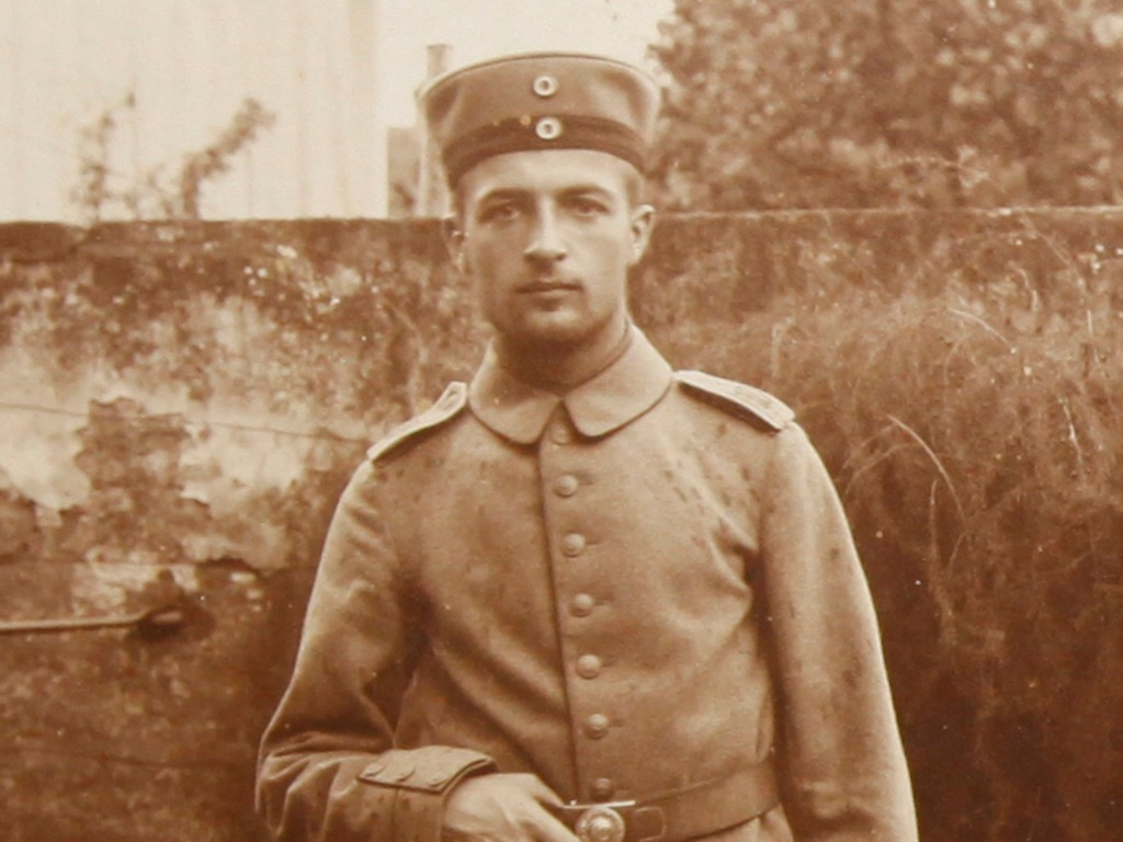 Experience World War I through a German officer's photos's video poster